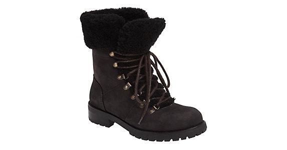 8b0d8f2789e UGG Fraser Womens Boots